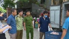Phát hiện xe ô tô vận chuyển hàng trăm kg bì lợn tươi không rõ nguồn gốc tại Hưng Yên