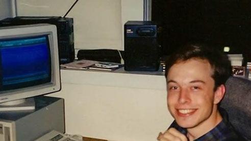 Ước mơ của Elon Musk hồi còn đi học và lí do ông thay đổi nó