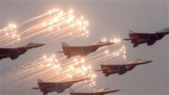 Vũ khí Nga – Mỹ 'đổ xô' vào Ấn Độ giữa lúc căng thẳng với Trung Quốc