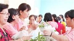 TP.HCM: Trao tặng 500 phần quà cho nữ công nhân có hoàn cảnh khó khăn