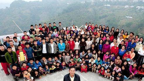 Gia đình hạnh phúc của người đàn ông có 39 vợ, 94 con và 33 cháu