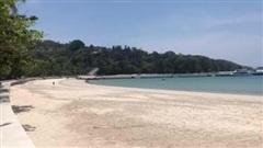 Đảo Phuket vắng bóng du khách trong mùa dịch