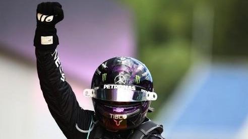 Lewis Hamilton giành chiến thắng đầu tiên tại mùa giải F1 2020