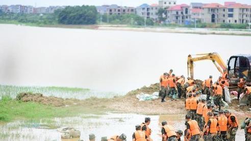 Mực nước hàng trăm sông tại Trung Quốc vượt mức báo động