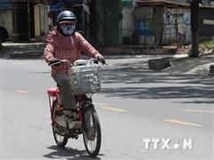 Nữ sinh gãy gò má vì áo chống nắng cuốn vào bánh sau xe đạp