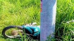 Đồng Nai: Nam thanh niên tử vong thương tâm vì tông vào cột điện