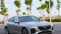 Cuộc chiến xe sedan giá 1,2 tỷ: VinFast LUX A2.0 liên tục dẫn đầu 2 tháng