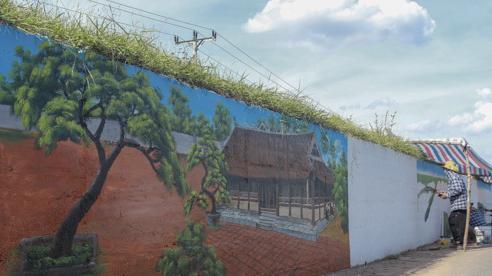 Ấn tượng 'con đường bích họa' dài hơn 2km ở ngoại thành Hà Nội