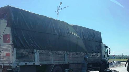 Quảng Bình: Chồng chết, vợ bị thương sau khi va chạm với xe tải