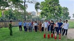 Huấn luyện về PCCC và CNCH tại trường THPT Yên Lãng