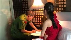 Triệt phá đường dây mại dâm giá 100 USD/lần của tú ông Huy 'gái' ở trung tâm Sài Gòn