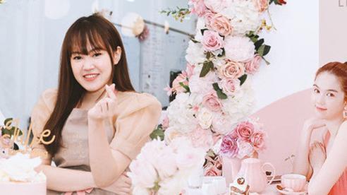 Julie Nguyễn - Cử nhân ở Anh với cú rẽ làm thợ bánh tại Hà Nội, 26 tuổi sở hữu tiệm bánh ngọt đình đám mà Ngọc Trinh tuyên bố có bay hơn 1.500km cũng phải ghé bằng được