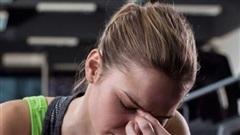 Nếu thấy đau đầu trong hoặc sau khi tập thì hãy làm ngay những điều này để tránh rủi ro xảy ra