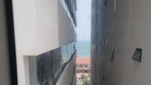 Pha mua phòng khách sạn 'đi vào lòng người': Đặt căn view biển giá hợp lý nhưng gặp ngay cô bán tour tiết kiệm cho ngắm đại dương theo kiểu lọt qua khe