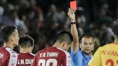 Cựu tuyển thủ Việt Nam phạm lỗi thô thiển, nhận cái kết đắng trong lần hiếm hoi được đá chính