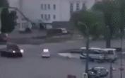 Bi hài cảnh quay đặc nhiệm, xe bọc thép Ukraine giải cứu con tin ở Lutsk bị 'bóc phốt'!