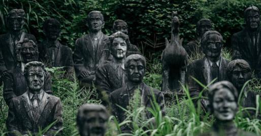 Vị doanh nhân chi gần 2.000 tỷ đồng mở công viên ngàn tượng nhưng chẳng ai dám bén mảng đến vì nỗi ám ảnh những bức tượng 'biết đi'
