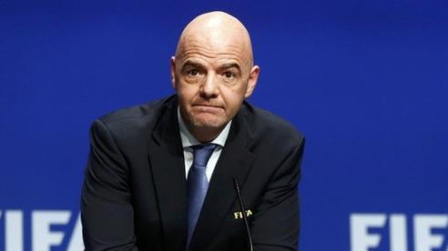 Chủ tịch FIFA vướng lùm xùm tham nhũng, đứng trước nguy cơ hầu tòa 1 năm