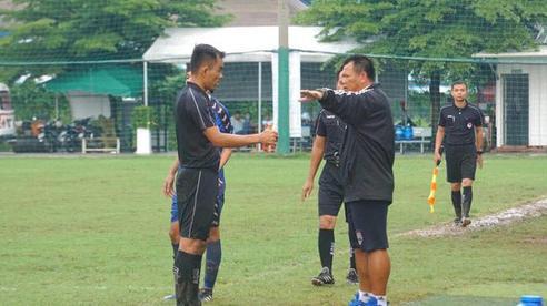 HLV Việt phẫn uất vì một trọng tài bắt liền 4 trận của đội nhà: 'Ép chúng tôi rất nhiều'