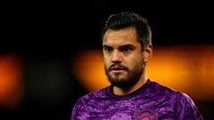 Chuyển nhượng cầu thủ hôm nay (1/8):  Man Utd đàm phán với Romero và giữ'thần đồng' Hannibal Mejbri; Arsenal sắp có tân binh đầu tiên