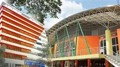 Sơn đủ 7 sắc cầu vồng xanh, đỏ, cam, vàng..., Đại học Kiến trúc Hà Nội xứng danh ngôi trường 'màu mè' nhất Việt Nam!