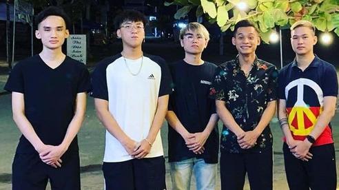 Soi ảnh hội anh em Độ Mixi khi du lịch: 'Tộc trưởng' check-in kiểu Cao Bằng, trai trẻ lại vô cùng 'chanh sả'