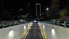 Những con phố lặng thinh trong đêm cuối tuần cách ly xã hội ở Đà Nẵng