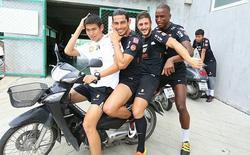 Tuyển thủ Costa Rica sắp gia nhập CLB TP.HCM thấy 'ninja lead' và thốt lên 'giao thông điên quá'