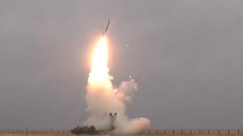 Tên lửa S-400 trong tay Ấn Độ: Đối thủ phải suy nghĩ hai lần trước khi manh động!