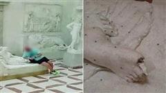 Đi bảo tàng rồi 'hồn nhiên' ngồi lên bức tượng sống ảo, nam du khách làm vỡ luôn 2 ngón chân của tác phẩm 200 năm tuổi