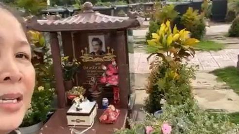 NSND Hồng Vân nói chi tiết ít biết chuyện Anh Vũ mất: 'Người tôi cứ lạnh, sởn gai ốc'