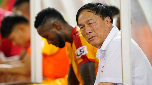 Thể thao nổi bật 6/8: Bầu Đệ không có quyền làm công văn xin dừng dự V-League 2020; Tuyển thủ Thái Lan có cơ hội tung hoành tại Premier League