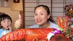 Quỳnh Trần JP chính thức cán mốc 1 tỷ views trên YouTube, màn ăn mừng với tôm hùm khổng lồ gây choáng!