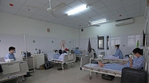 Hai người đầu tiên đủ điều kiện hiến huyết tương điều trị bệnh nhân Covid-19 nặng