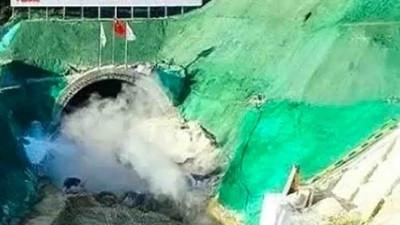 Cận cảnh Trung Quốc xây hầm đường sắt vượt biển, tốc độ 350 km/h