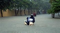 Mưa lớn, nhiều tuyến đường ở Điện Biên ngập sâu trong nước
