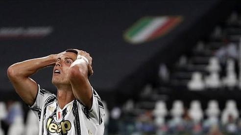 Juventus bị loại đau C1, HLV Sarri nói khiến Ronaldo tức thêm