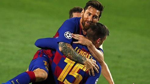 Solo tuyệt đỉnh, Messi kéo 'cỗ xe nổ lốp' Barcelona vượt qua cửa ải Napoli