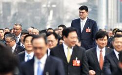 Siêu sao bóng rổ Trung Quốc vượt mức 200kg khiến vợ lo sợ 'bị đè' trong lúc ngủ