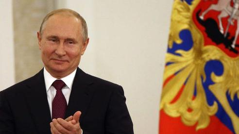 [NÓNG] Vaccine COVID-19 đã được BYT Nga chấp thuận; TT Putin tiết lộ con gái ông đã được tiêm
