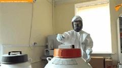 Lộ diện video sản xuất những liều vaccine Covid-19 đầu tiên của nhân loại ngay trong nhà máy dược phẩm Nga