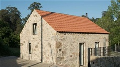 Ngôi nhà với bề ngoài đẹp như tranh vẽ nhưng bên trong khiến không ít người ngỡ ngàng