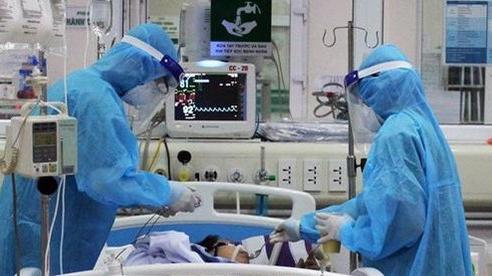 Bệnh nhân 867 tổn thương phổi rõ, tiên lượng nặng