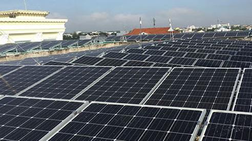 Điện mặt trời mái nhà: Gỡ chưa hết rối, EVN tiếp tục 'cầu cứu' Bộ Công thương