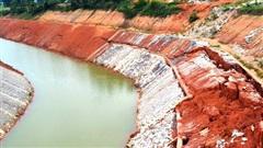 Điều tra vụ kênh thủy lợi hơn 750 tỷ đồng ở Nghệ An chưa đưa vào sử dụng đã nứt toác