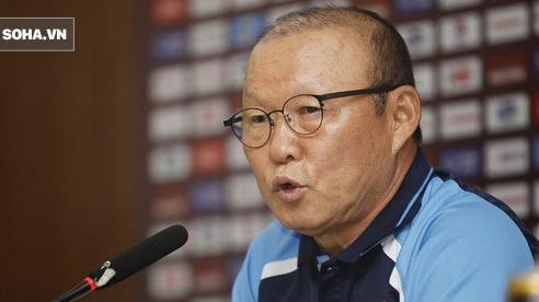 Bị hỏi về chuyện giảm lương, thầy Park bức xúc: 'Tôi cũng có lòng tự trọng riêng của mình'