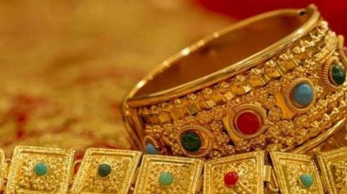 Nóng: Giá vàng tiếp tục giảm mạnh, mất mốc 57 triệu đồng