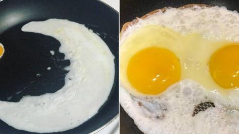 Những màn rán trứng xứng đáng 'đi vào huyền thoại' nhất hội ghét bếp: Món dễ làm thế này mà cũng thất bại ư?