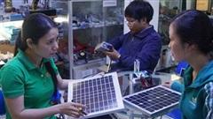 Lắp điện mặt trời mái nhà ngày càng rẻ