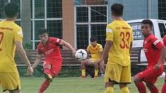 Đồng hương Công Phượng lập siêu phẩm đá phạt, thẻ đỏ xuất hiện ở trận đấu nội bộ của U22 Việt Nam